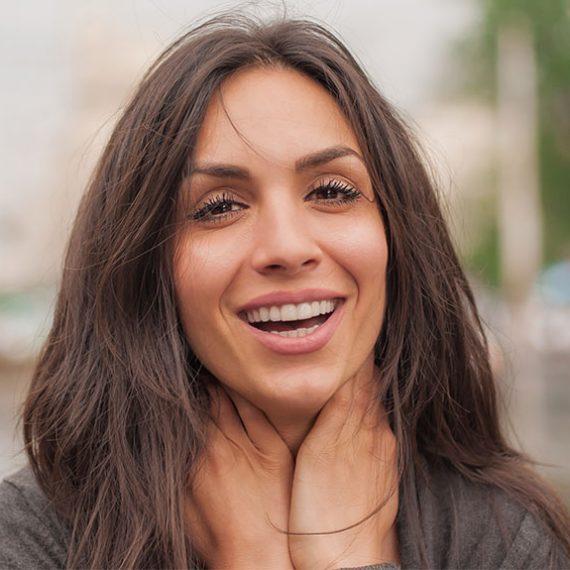 tratamiento para la sonrisa gingival con acido hialuronico