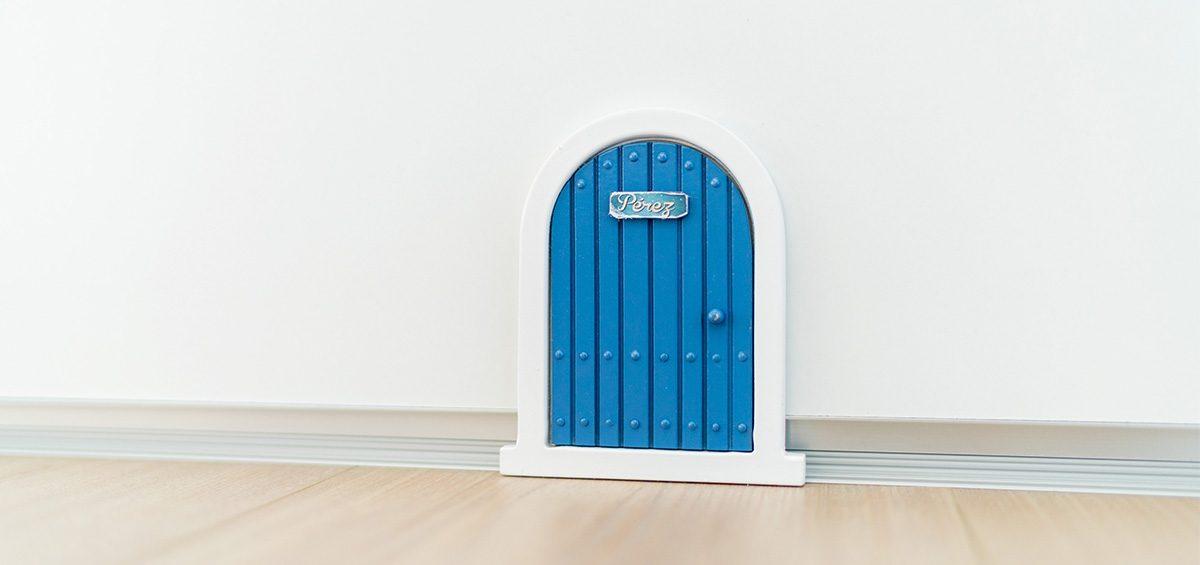 puerta raton perez en clínica dental niños Burgos